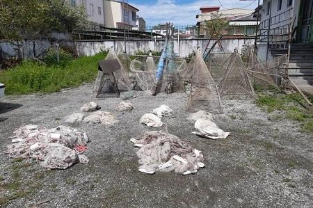 جمعآوری تورهای ماهیگیری و دستگیری صیادان در آستارا